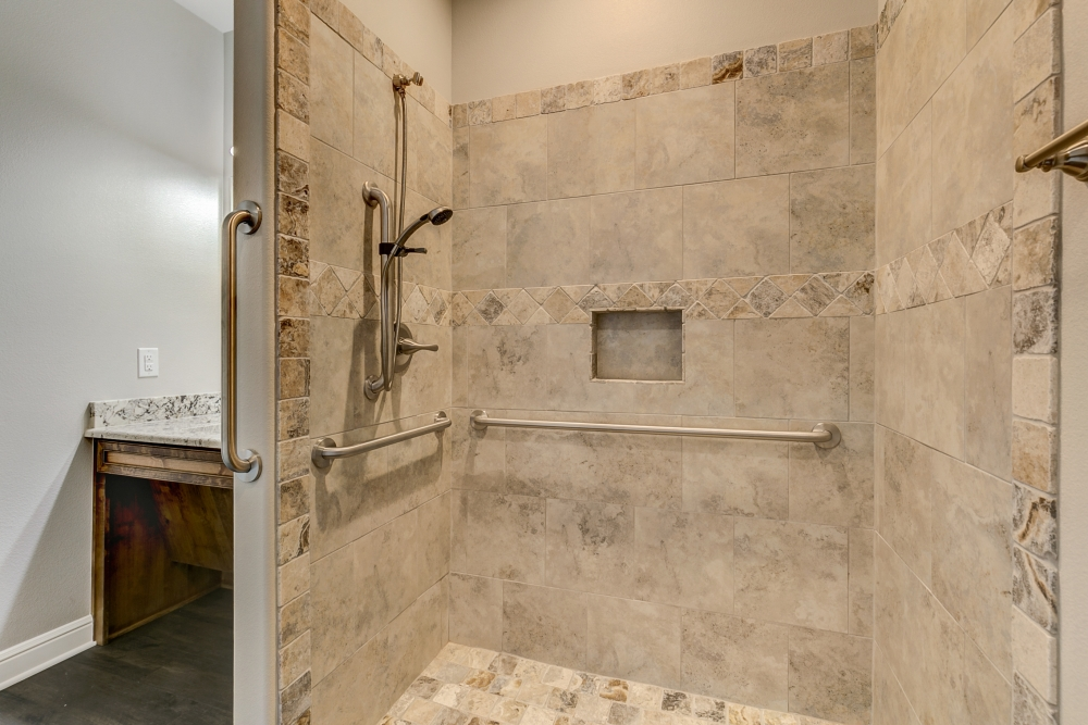 Walk in Shower with grab bars